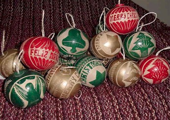 Nic_Gourd_Ornament